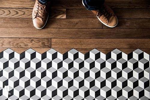 suelos combinación baldosa y madera